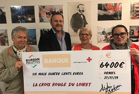 remise chèque Burban Palettes à la Croix Rouge du Loiret